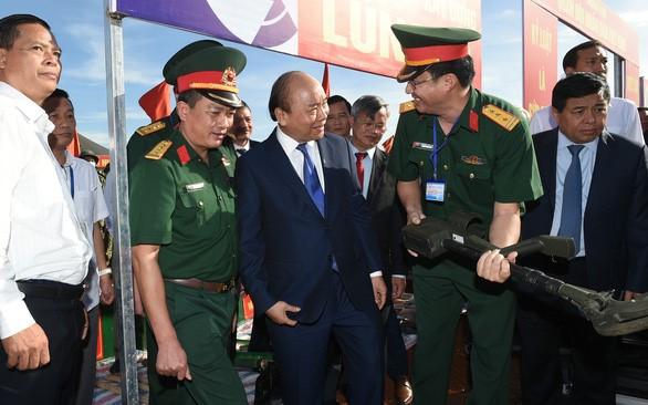 Thủ tướng Nguyễn Xuân Phúc thị sát